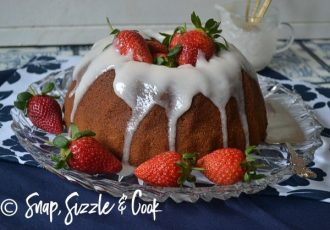 Strawberry-yoghurt-cake