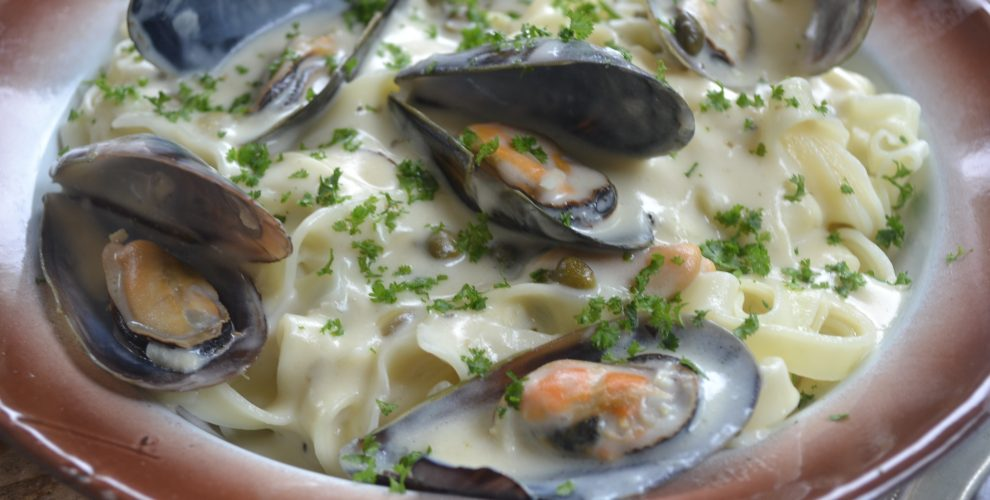 Mussel and caper linguine